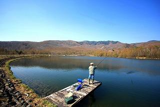 佐久穂町・『八千穂レイク』ルアー・フライフィシング・キャッチアンドリリースの管理釣り場