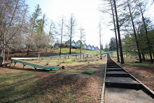 長者の森・滑り台 (冬季は休業)